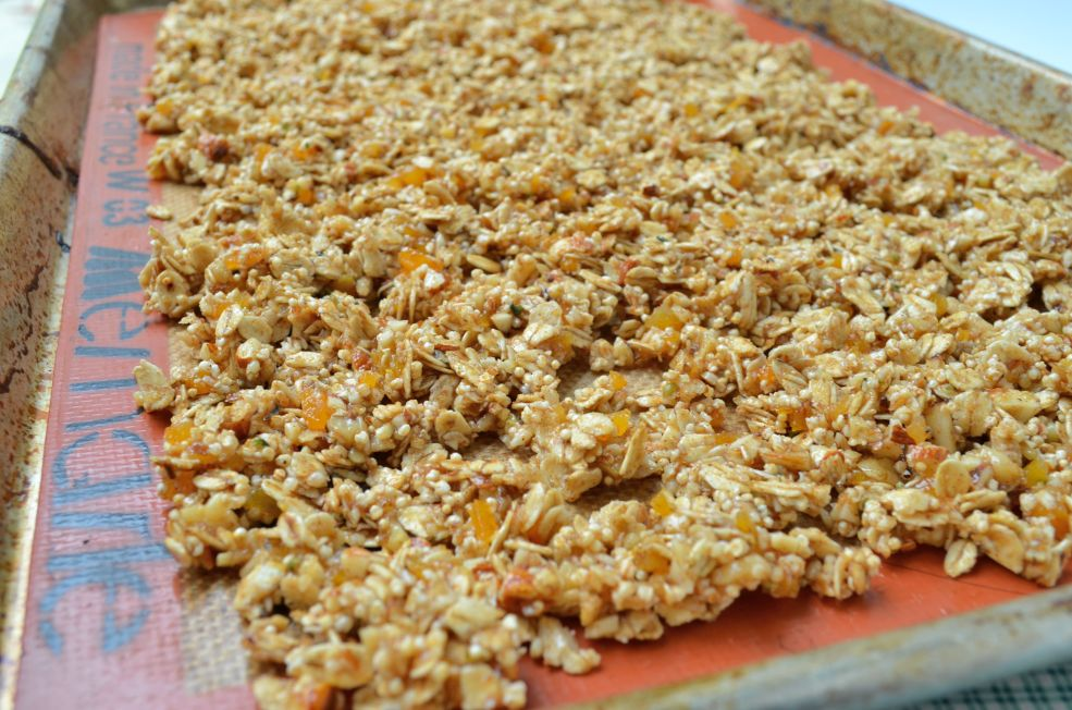 This recipe for apricot amaranth granola is completely oil free. It is delicious, satisfying and perfect for breakfast.