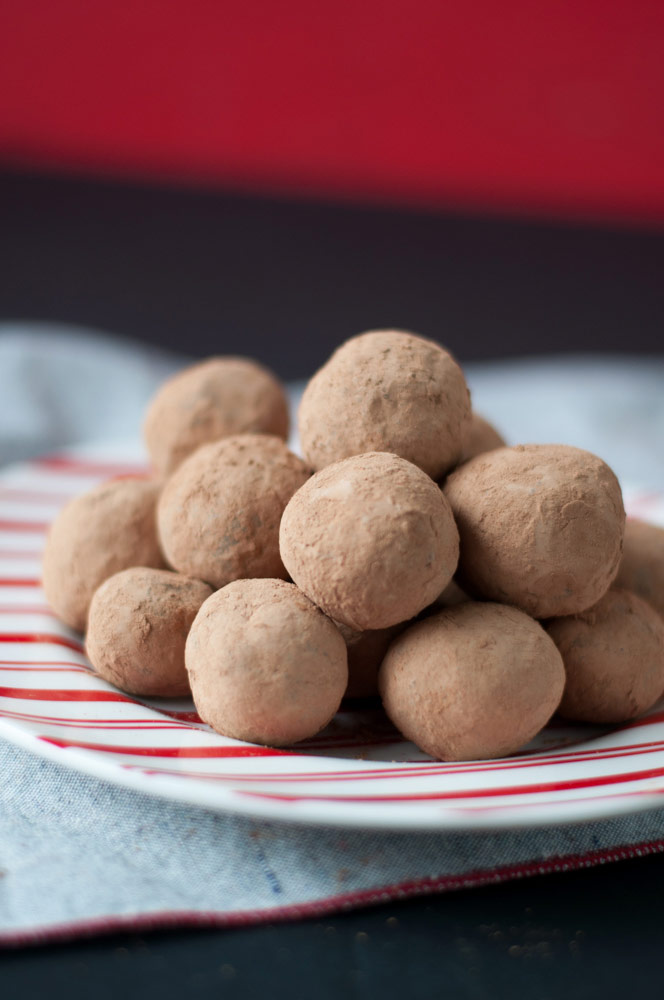 These Vegan Tequila Truffles are rich, creamy, chocolaty and simple. They are easy to make and perfect for the holiday season.