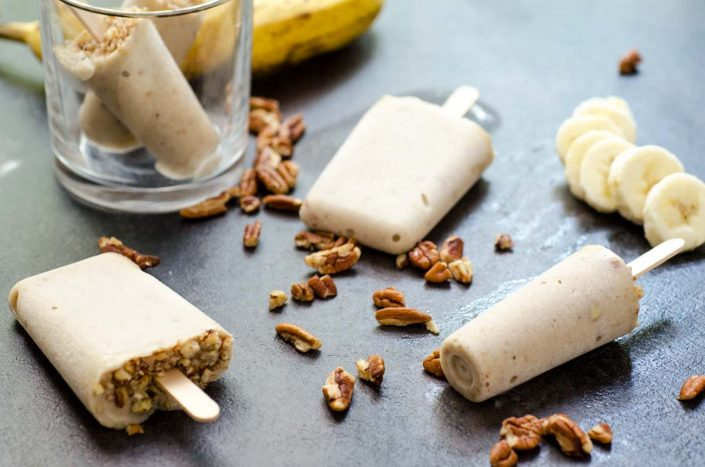 These creamy banana pecan paletas (banana pecan popsicles) have only 3 ingredients, are vegan, and refined-sugar free!!