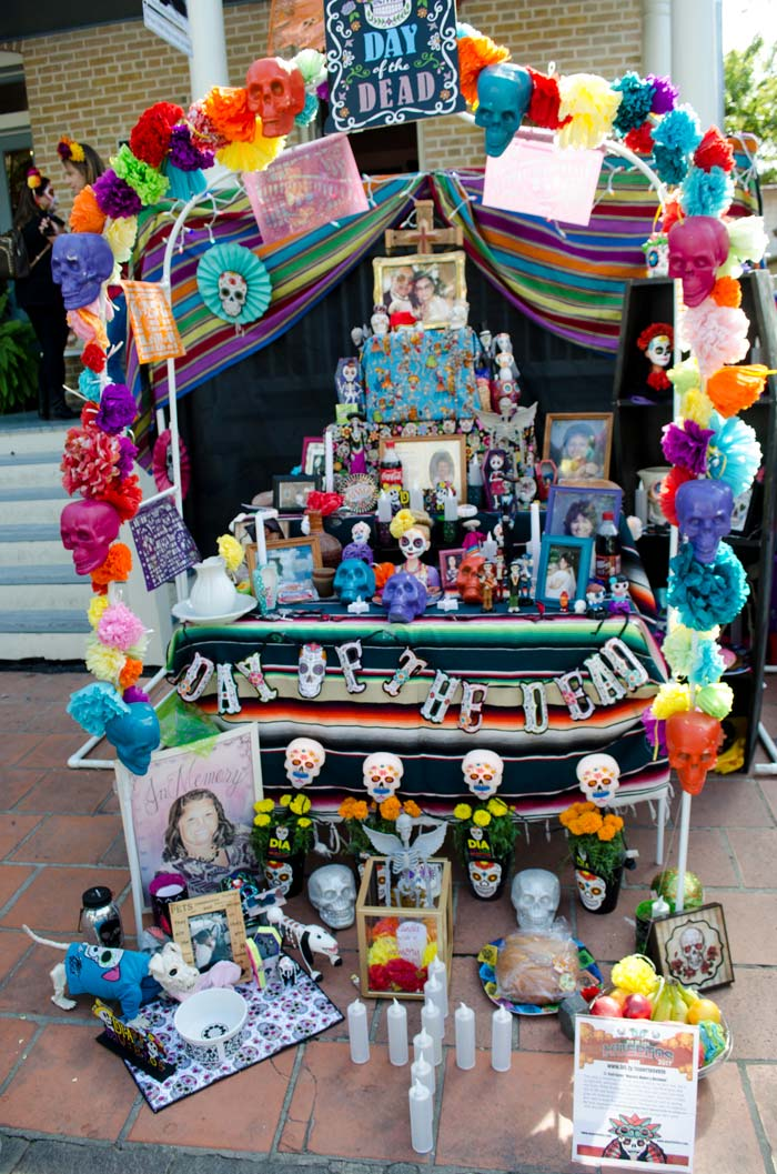 La Villita Day of the Dead Festival in San Antonio will not disappoint. A beautiful event to honor those who have left before us.