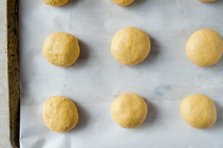 Balls of dough to make vegan concha recipe